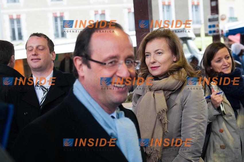 Valerie Trierweiler  -  Francois Hollande.Tulle 21/4/2012 .Campagna Elettorale Partito Socialista elezioni Presidenziali Francia 2012.Foto Insidefoto / Florent Dupuy / Panoramic.ITALY ONLY