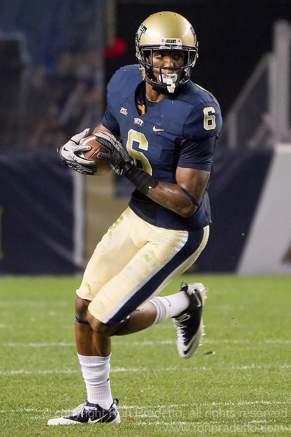 Pitt wide receiver Drew Carswell.The Pittsburgh Panthers beat the UCONN Huskies 35-20 at Heinz field in Pittsburgh, Pennsylvania on October 26, 2011.