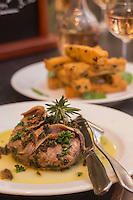Europe/France/Provence-Alpes-C&ocirc;te d'Azur/Alpes-Maritimes/Nice: Nice<br /> Nice: Tournedos fa&ccedil;on madal&iuml;n - Ail, persil et anchois - et panisses<br /> Recette du restaurant Acchiardo dans le Vieux Nice //   Europe, France, Provence-Alpes-C&ocirc;te d'Azur, Alpes-Maritimes, Nice: Tournedos madalin - Garlic, parsley, anchovies - and panisses, recipe restaurant Acchiardo, in Vieux Nice district