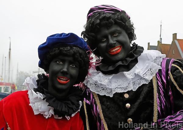 Monnickendam- Intocht van Sinterklaas. Zwarte Zwarte Pieten