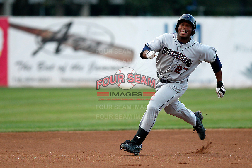 Mahoning Valley Scrappers outfielder Bryson Myles #27 during a game against the Jamestown Jammers at Russell E. Diethrick Jr Park on September 2, 2011 in Jamestown, New York.  Mahoning Valley defeated Jamestown 8-4.  (Mike Janes/Four Seam Images)