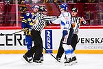 Stockholm 2014-05-03 Ishockey Oddset Hockey Games  Sverige - Finland :  <br /> Sveriges Niclas Anders&eacute;n och Finlands Jere Sallinen i gruff<br /> (Foto: Kenta J&ouml;nsson) Nyckelord:  Oddset Hockey Games Sverige Swe Tre Kronor Finland Fin Globen Ericsson Globe Arena slagsm&aring;l br&aring;k fight fajt gruff