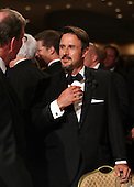Actor David Arquette chats with a guest at the annual White House Correspondent's Association Gala at the Washington Hilton Hotel, Washington, DC, Saturday, April 30, 2011..Credit: Martin Simon / Pool via CNP