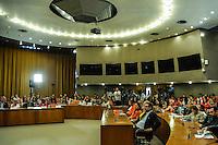 BRASÍLIA, DF, 02.03.2016 - SAÚDE-GOVERNO - O ministro da Saúde, Marcelo Castro participa do evento em que a Organização Pan-Americana de Saúde (OPAS), braço da Organização Mundial de Saúde (OMS) nas Américas, reconhece nesta quarta-feira (02) o Brasil como referência mundial em aleitamento materno. Uma placa de reconhecimento pelos avanços e bons resultados da Política Nacional de Aleitamento Materno foi entregue ao ministro em cerimônia no OPAS, em Brasília, na manhã desta quarta-feira, 02. (Foto: Ricardo Botelho/Brazil Photo Press)