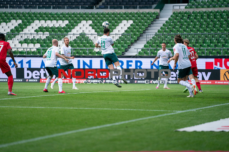 Milos Veljkovic (Werder Bremen #13), Davy Klaassen (Werder Bremen #30), Kevin Vogt (Werder Bremen  #03), Niclas Füllkrug / Fuellkrug (Werder Bremen #11), Marco Friedl (Werder Bremen #32), Sebastiaan Bornauw (FC Koeln #33)<br /> <br /> <br /> Sport: nphgm001: Fussball: 1. Bundesliga: Saison 19/20: 34. Spieltag: SV Werder Bremen vs 1.FC Koeln  27.06.2020<br /> <br /> Foto: gumzmedia/nordphoto/POOL <br /> <br /> DFL regulations prohibit any use of photographs as image sequences and/or quasi-video.<br /> EDITORIAL USE ONLY<br /> National and international News-Agencies OUT.