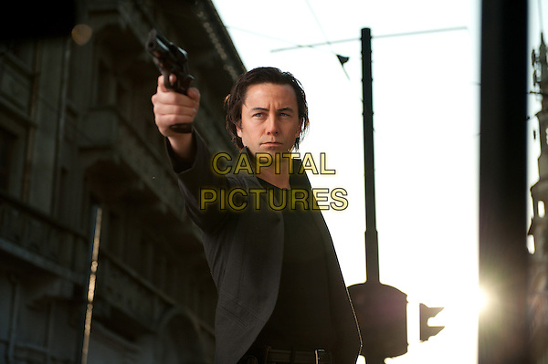 Joseph Gordon-Levitt .in Looper (2012) .*Filmstill - Editorial Use Only*.CAP/FB.Supplied by Capital Pictures.