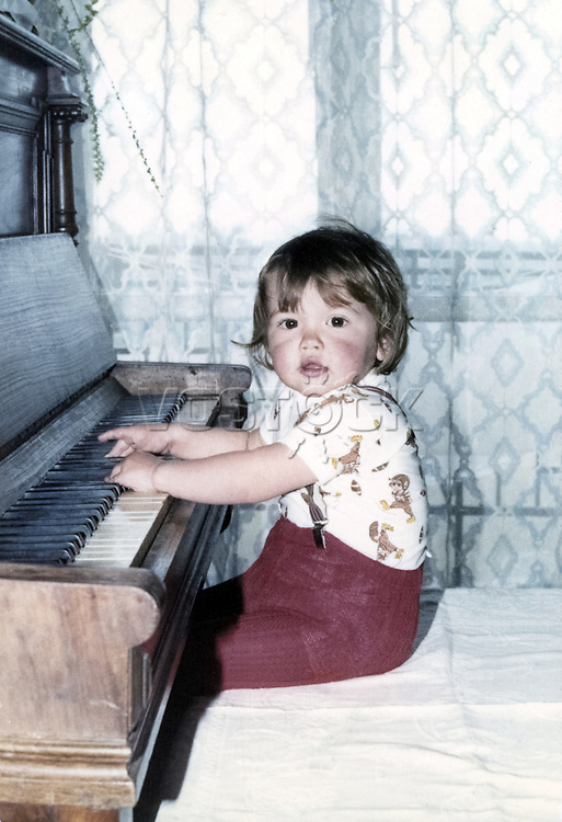 The son of polish film star Babrata Brylsky Ludwig in the role of Chopin. / Сын Барбары Брыльской Людвиг в роли Шопена. <br /> Личный архив Б.Брыльской