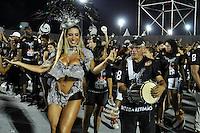 SÃO PAULO, SP, 05 DE FEVEREIRO DE 2012 - ENSAIO GAVIÕES DA FIEL - Tatiane Minerato durante ensaio técnico da Escola de Samba Gaviões da Fiel na preparação para o Carnaval 2012. O ensaio foi realizado na noite deste domingo (05) no Sambódromo do Anhembi, zona norte da cidade. FOTO: LEVI BIANCO - NEWS FREE