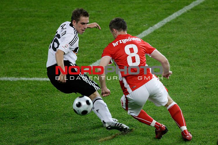 UEFA Euro 2008 Group B Klagenfurt - W&ouml;rthersee Match 04 <br /> <br /> Deutschland ( GER ) - Polen ( POL )<br /> <br /> Zweikampf zwischen Philipp Lahm ( Germany  / Verteidiger / Defender / Bayern Muenchen #16) und Jacek Krzynowek  ( Poland / Mittelfeldspieler / Midfielder / VfL Wolfsburg #08 )<br /> <br /> Foto &copy; nph (  nordphoto  )<br /> <br /> <br /> <br />  *** Local Caption ***
