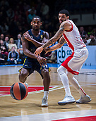 22nd March 2018, Aleksandar Nikolic Hall, Belgrade, Serbia; Turkish Airlines Euroleague Basketball, Crvena Zvezda mts Belgrade versus Fenerbahce Dogus Istanbul; Guard Brad Wanamaker of Fenerbahce Dogus Istanbul passes the ball near Guard James Feldeine of Crvena Zvezda mts Belgrade