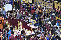 BOGOTÁ -COLOMBIA, 18-09-2016. Hinchas del Tolima animan a su equipo durante el encuentro entre La Equidad y Deportes Tolima por la fecha 13 de la Liga Águila II 2016 jugado en el estadio Metropolitano de Techo de la ciudad de Bogotá./ Fans of Tolima cheer for their team during the match between La Equidad and Deportes Tolima for the date 13 of the Aguila League II 2016 played at Metropolitano de Techo stadium in Bogotá city. Photo: VizzorImage/ Gabriel Aponte / Staff