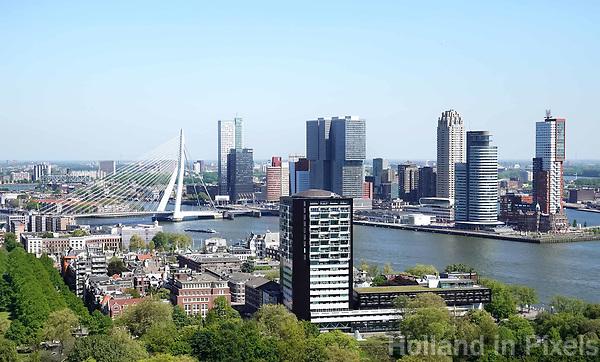 Nederland Rotterdam  2018.  Rotterdam gezien vanaf de Euromast. Op de voorgrond Het Park.  Rechts de Wilhelminapier.  Foto Berlinda van Dam / Hollandse Hoogte
