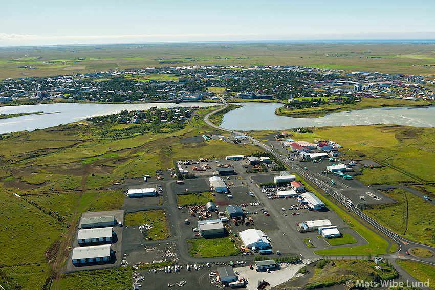Selfoss séð til suðurs. Iðnaðarhverfi fremst.  Sveitarfélagið Árborg /  Selfoss viewing south,  Industrial region in foreground. Sveitarfelagid Arborg.