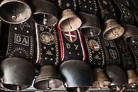 Europe/France/Rhône-Alpes/74/Haute-Savoie/Env d'Annecy/Massif du Semmoz: Cloches des Vaches  au chalet d'estive du Crêt de l'Aigle ou  René Dussolier produit de la Tome des Bauges