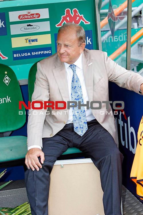 FBL 07/08 HInrunde 2. Spieltag<br /> <br /> SV Werder Bremen - Bayern Muenchen<br /> <br /> J&uuml;rgen L. Born (Vorsitzender der Gesch&auml;ftsf&uuml;hrung und Gesch&auml;ftsf&uuml;hrer Finanzen und &Ouml;ffentlichkeitsarbeit)<br /> <br /> Foto:&copy; nph (nordphoto) <br /> <br /> <br /> <br />  *** Local Caption ***