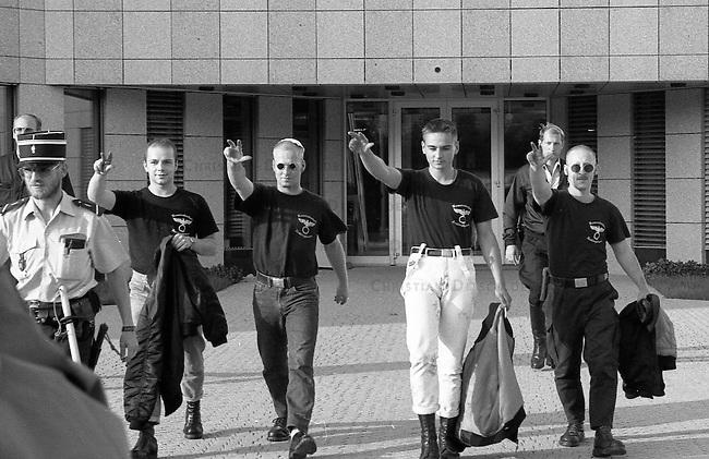 Neonazis versuchen Hess-Gedenken in Luxembourg.<br /> Mehrere dutzend Neonazis aus Deutschland versuchten am 13. August 1994 vor der Deutschen Botschaft in Luxembourg eine Kundgebung in Gedenken an den Hitlerstellvertreter Rudolf Hess abzuhalten. In Deutschland war ein Hess-Gedenken von den Behoerden verboten worden. Die Neonazis wurden nach wenigen Minuten von der Polizei festgenommen und in die Polizeiwache in Schengen verbracht. Von dort wurden sie nach einigen Stunden unter Polizeibegleitung nach Deutschland abgeschoben.<br /> Mitte: Dieter Riefling, FAP und Kameradschaft Recklinghausen.<br /> 13.8.1994, Schengen, Luxembourg<br /> Copyright: Christian-Ditsch.de<br /> [Inhaltsveraendernde Manipulation des Fotos nur nach ausdruecklicher Genehmigung des Fotografen. Vereinbarungen ueber Abtretung von Persoenlichkeitsrechten/Model Release der abgebildeten Person/Personen liegen nicht vor. NO MODEL RELEASE! Nur fuer Redaktionelle Zwecke. Don't publish without copyright Christian-Ditsch.de, Veroeffentlichung nur mit Fotografennennung, sowie gegen Honorar, MwSt. und Beleg. Konto: I N G - D i B a, IBAN DE58500105175400192269, BIC INGDDEFFXXX, Kontakt: post@christian-ditsch.de<br /> Urhebervermerk wird gemaess Paragraph 13 UHG verlangt.]