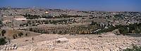 Asie/Israël/Judée/Jérusalem: Mont des Oliviers -le cimetiere juif et la vieille ville en fond