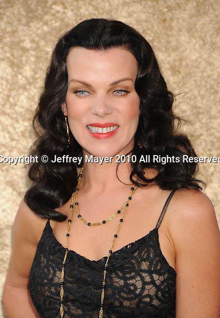 """HOLLYWOOD, CA. - June 16: Debi Mazar  arrives at the """"Entourage"""" Season Seven Premiere at Paramount Theater on the Paramount Studios lot on June 16, 2010 in Hollywood, California."""