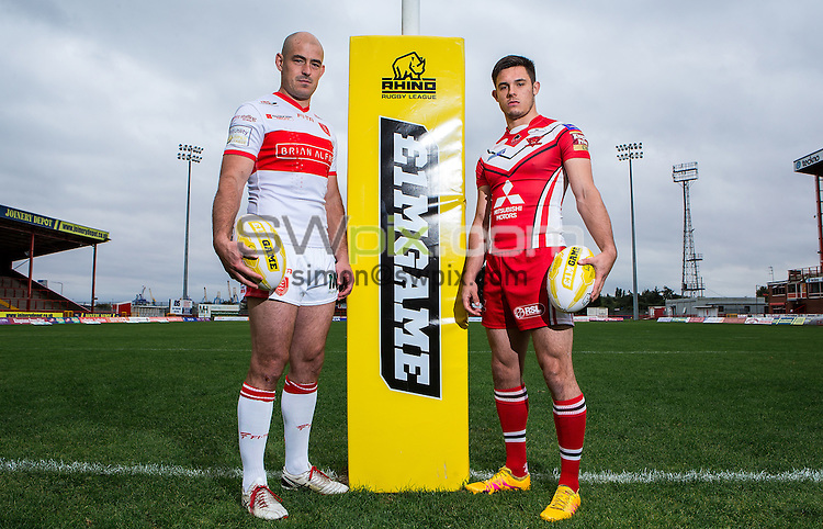 Picture by Alex Whitehead/SWpix.com - 27/09/2016 - Rugby League - 2016 First Utility Super League Million Pound Game Preview - KC Lightstream Stadium, Hull, England - Hull KR's Terry Campese (L) and Salford Red Devils' Niall Evalds (R) pose for photos to preview Saturday's Million Pound Game.