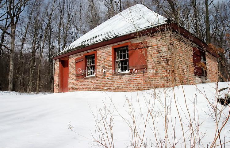 WARREN, CT--18 MARCH 2007--031807JS05-Warren's 1784 Brick Schoolhouse on Brick School Road.  <br /> Jim Shannon / Republican-American
