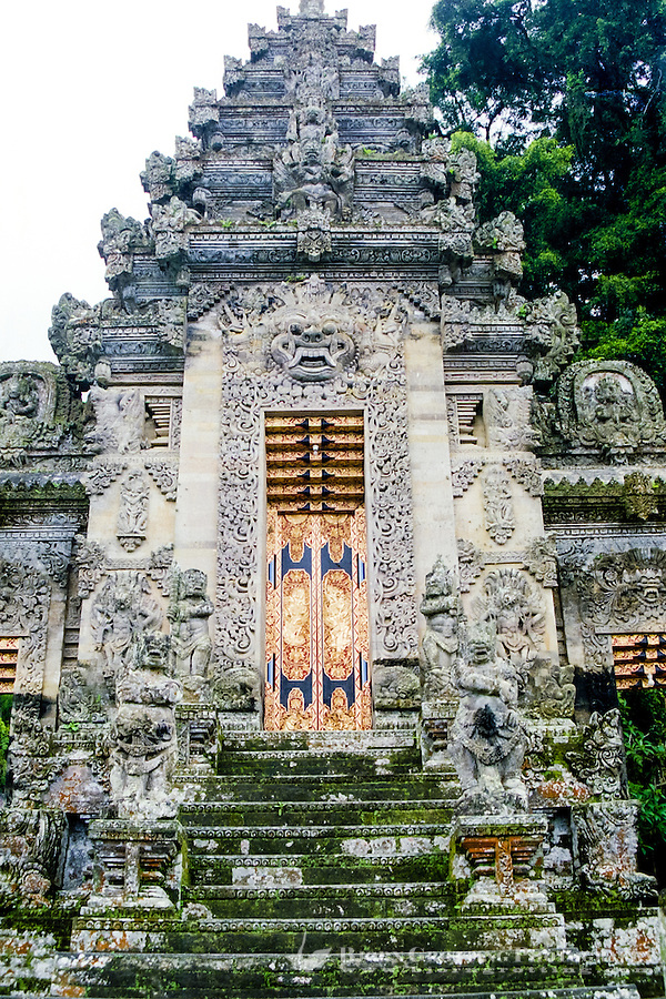 Bali, Bangli, Pura Kehen. The entrance of Pura Kehen, an important temple from the 13th century.