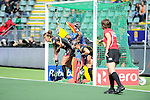 The Hague, Netherlands, June 05: Players of Belgium line up on the goal line before a penalty corner during the field hockey group match (Women - Group A) between Belgium and Australia on June 5, 2014 during the World Cup 2014 at Kyocera Stadium in The Hague, Netherlands. Final score 2:3 (1:1) (Photo by Dirk Markgraf / www.265-images.com) *** Local caption ***