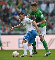 FUSSBALL   1. BUNDESLIGA   SAISON 2012/2013    32. SPIELTAG SV Werder Bremen - TSG 1899 Hoffenheim             04.05.2013 Kevin Volland (li, TSG 1899 Hoffenheim) gegen Sebastian Proedl (re, SV Werder Bremen)