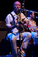 SAO PAULO, SP, 31 DE AGOSTO DE 2012 - SHOW ARNALDO ANTUNES: O cantor e compositor Arnaldo Antunes se apresentou na noite desta sexta feira (31) no Credicard Hall em São Paulo.  FOTO: LEVI BIANCO - BRAZIL PHOTO PRESS