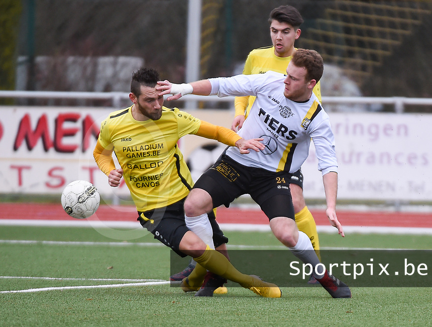 SCT MENEN - OLSA BRAKEL :<br /> stevig duel tussen Kevin Gallo (L) en Ken Van Den Berghe (R)<br /> <br /> Foto VDB / Bart Vandenbroucke