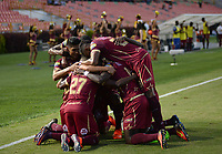 IBAGUÉ -COLOMBIA, 30-04-2017. Jugadores del Deportes Tolima celebran después de anotar un gol a Independiente Santa Fe durante partido por la fecha 15 de la Liga Águila I 2017 jugado en el estadio Manuel Murillo Toro de Ibagué. / Players of Deportes Tolima celebrate after scoring a goal to Independiente Santa Fe during match for date 15 of the Aguila League I 2017 played at Manuel Murillo Toro stadium in Ibague city. Photo: VizzorImage / Juan Carlos Escobar / Cont