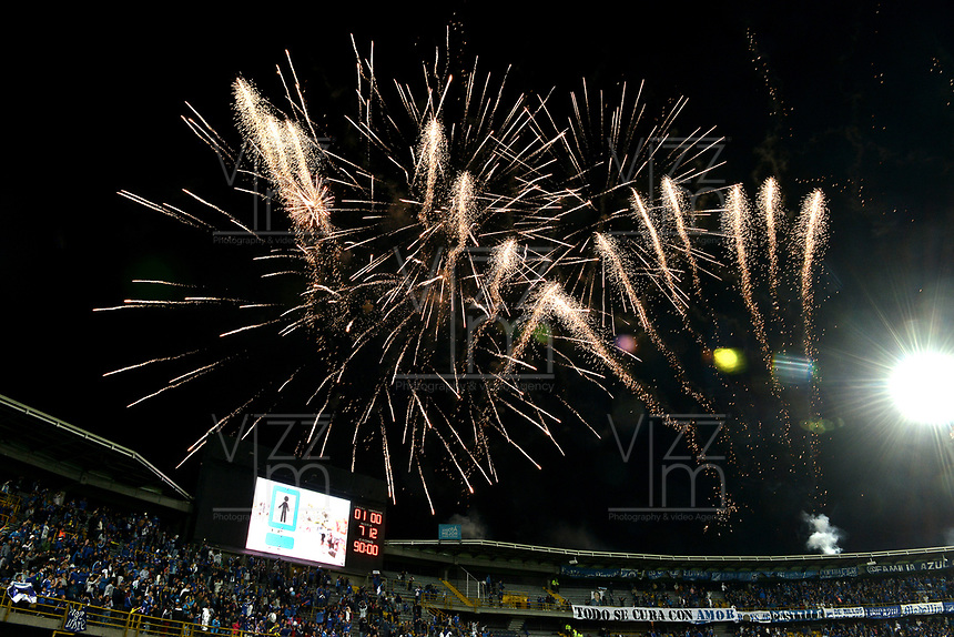 BOGOTA - COLOMBIA, 11-02-2018: Juegos pirotécnicos con motivo del título de SuperLiga 2018 por parte de Millonarios son vistos durante el encuentro entre Millonarios y Patriotas Boyacá por la fecha 2 de la Liga Aguila I 2018 jugado en el estadio Nemesio Camacho El Campin de la ciudad de Bogotá. / Fireworks to celebrate the title of SuperLiga 2018 of Millonarios are seen during match between Millonarios and Patriotas Boyaca for the date 2 of the Liga Aguila I 2018 played at the Nemesio Camacho El Campin Stadium in Bogota city. Photo: VizzorImage / Gabriel Aponte / Staff.