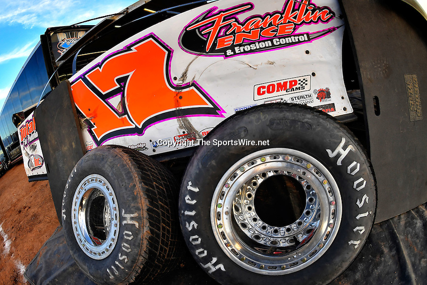 Jan 7, 2017; 5:04:36 PM; QUEEN CREEK, AZ., USA; 11th Annual Keyser Manufacturing Wild West Shootout at Arizona Speedway presented by O'Reilly Auto Parts. Mandatory Credit: (thesportswire.net)