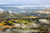 United Kingdom, Wales, Carmarthenshire, near Capel Gwynfe: view over misty farmland from Black Mountain in Brecon Beacons National Park | Grossbritannien, Wales, Carmarthenshire, bei Capel Gwynfe: Blick vom Black Mountain ueber eine mystische Landschaft im Brecon Beacons National Park