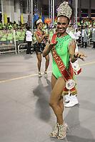 SÃO PAULO, SP, 16.02.2015  CARNAVAL 2015  SÃO PAULO  GRUPO DE ACESSO / LEANDRO DE ITAQUERA  Theba Piitylla da escola de samba Leandro de Itaquera durante desfile do grupo de acesso do Carnaval de São Paulo, na madrugada desta segunda-feira, (16). (Foto: Marcos Moraes / Brazil Photo Press).
