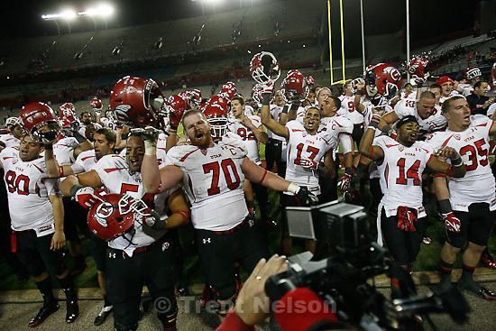 Trent Nelson  |  The Salt Lake Tribune.players sing Utah Man after win. Utah faces Arizona, college football at Arizona Stadium in Tucson, Arizona, Saturday, November 5, 2011.