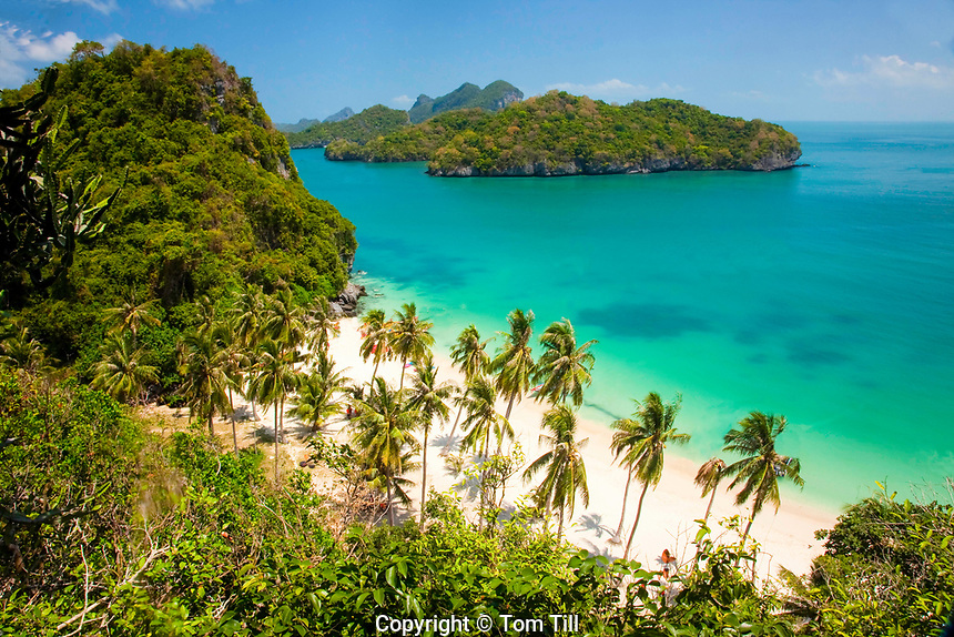 View of beach on Koh Wua Ta Lap Island, Angthong Marine National Park, Thailand, Gulf of Thailand,<br /> Pacific Ocean