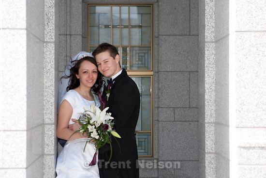 Trent Nelson     The Salt Lake Tribune.Draper - Jacob Ovard wedding at LDS temple. Friday, November 20, 2009.
