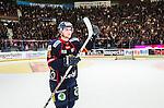 Stockholm 2014-03-27 Ishockey Kvalserien Djurg&aring;rdens IF - R&ouml;gle BK :  <br /> Djurg&aring;rdens Emil Lundberg tackar Djurg&aring;rdens publik efter matchen<br /> (Foto: Kenta J&ouml;nsson) Nyckelord:  DIF Djurg&aring;rden R&ouml;gle RBK Hovet supporter fans publik supporters jubel gl&auml;dje lycka glad happy