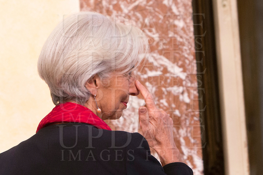 Il direttore operativo del Fondo Monetario Internazionale Christine Lagarde (FMI) arriva a Palazzo Chigi per incontrare il Presidente del Consiglio, a Roma, 10 dicembre 2014.<br /> International Monetary Fund (IMF) Managing Director Christine Lagarde arrives to meet Italian Premier at Chigi Palace government office in Rome, 10 December 2014.