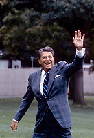Washington DC., USA, March, 1985<br /> President Ronald Reagan walks back to the White House after arriving on the South Lawn in Marine One. Credit: Mark Reinstein/MediaPunch
