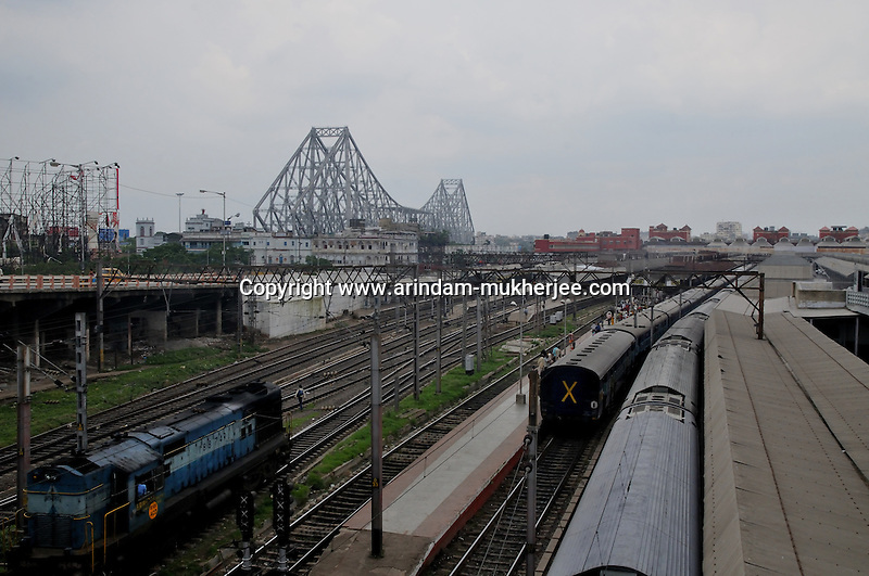 Trains standing at Howrah Station. Howrah station is the most important staion in Eastern India and its the largest staion of Calcutta. Four of India's most important trunk rail routes end in Howrah 2009 Arindam Mukherjee