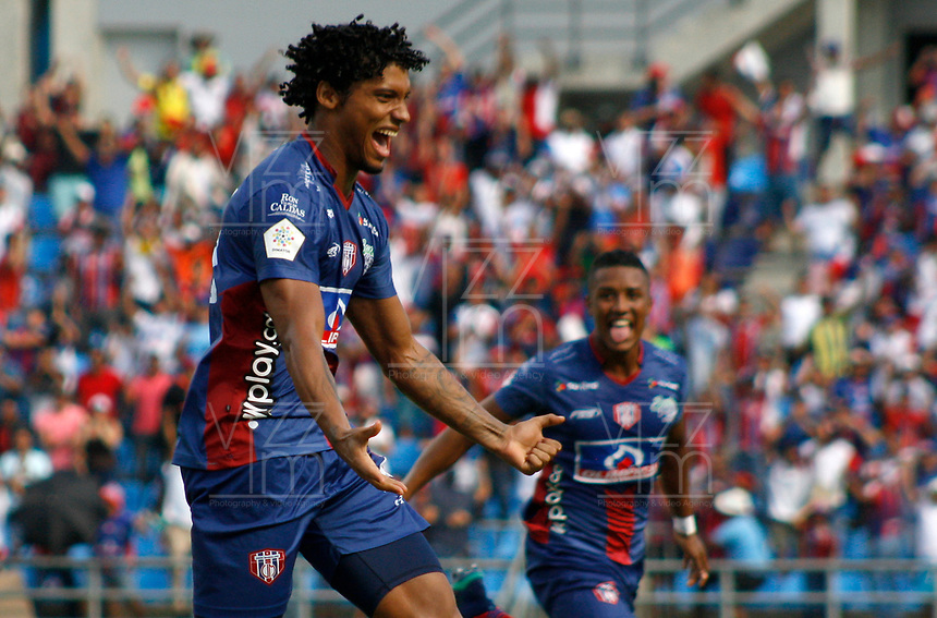 SANTA MARTA - COLOMBIA, 04-05-2019: Juan Pereira de Unión celebra después de anotar el primer gol de su equipo durante el partido por la fecha 20 de la Liga Águila I 2019 entre Unión Magdalena y Once Caldas jugado en el estadio Sierra Nevada de la ciudad de Santa Marta. / Juan Peereira of Union Magdalena celebrates after scoring the first goal of his team during match for the date 20 as part Aguila League I 2019 between Union Magdalena and Once Caldas played at Sierra Nevada stadium in Santa Marta city city. Photo: VizzorImage / Gustavo Pacheco / Cont