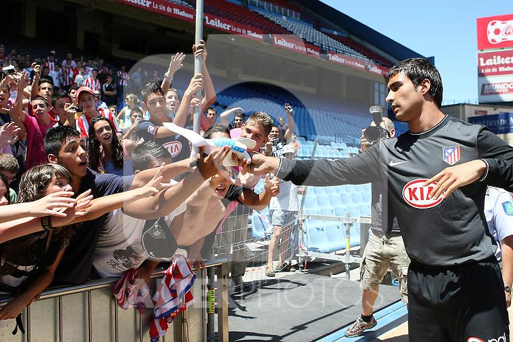Atletico de Madrid's new player Sergio Asenjo during his presentation. July 13 2009. (ALTERPHOTOS/Acero).