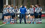 Den Haag - Hoofdklasse hockey dames, HDM-GRONINGEN  (6-2).  Teambespreking  (HDM) COPYRIGHT KOEN SUYK