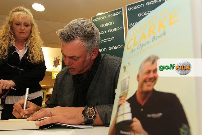Darren Clarke signing copies of his book in Easons on O'Connell street, Dublin..Picture: Fran Caffrey/www.golffile.ie.