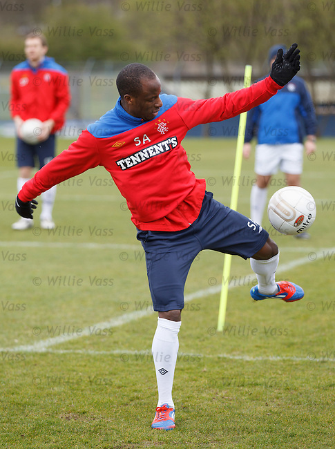 Sone Aluko loses the ball