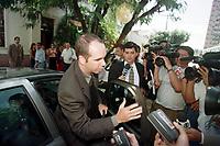 O del da Pol&iacute;cia federal Luiz fernando Ayres Machado chega a sede do jornal O Di&aacute;rio do Par&aacute; de propiedade do senador J&aacute;der Barbalho ,presidente do senado, para ouvir seu depoimento. Em caso que est&aacute; investigando sobre fraudes pelas emiss&ocirc;es de Tdas.<br />Bel&eacute;m, Par&aacute;, Brasil<br />10/07/2001<br />Foto Paulo Santos/Interfoto
