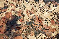 Landschaftsstrucktur: SPANIEN, KASTILIEN LEON, BURGOS, 10.08.2008: Landschaft der  Provinz  Kastilien-León, Spanien, Jakobsweg, Weg, Pfad, Wandern, Pilgern,  Feld, Landwirtschaft, abgeerntete Kornfelder, Getreide, Stoppelfeld, Form, Strucktur, Luftbild, Spanien, Feld, Landwirtschaft, Agrar, Subvention, EU, abgeerntete, Kornfelder, Feld, Felder, Getreide, Stoppelfeld, Muster, Schraffur, Struktur, Strukturen, Luftbild, Draufsicht, Luftaufnahme, Luftansicht, Luftblick, Flugaufnahme, Flugbild, Vogelperspektive, Ueberblick, Uebersicht # , shading, crosshatching, hatching, arrays, fields, pads, shape, structure, texture, agriculture, husbandry, farming, air opinion, Flugbild, cornfield, Luftblick,  top view, plan, spain,  cereals, cereal, Flugaufnahme, stubble field, bird 's-eye view, array, field, open country, pad, harvested, model, trial, overview, outline, survey, aerial photographreview, view, air photo, Aufwind-Luftbilder