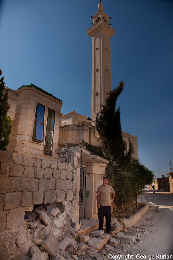 The mosque in Anadan, shelled by tanks