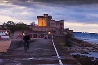Europe/France/Aquitaine/64/Pyrénées-Atlantiques/Pays-Basque/Ciboure: Aube sur le Fort de Socoa, construit sous Louis XIII et remanié par Vauban.